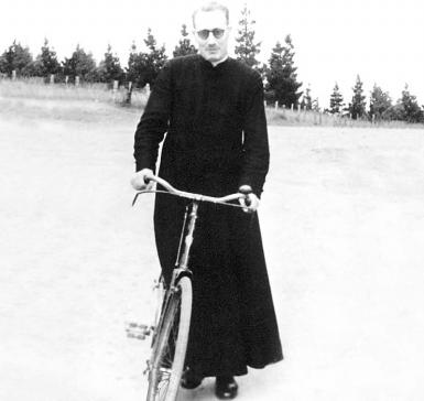 photo of father Jose Maria Arizmendiarrieta